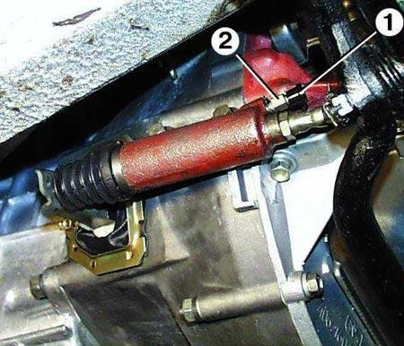 рабочий цилиндр сцепления