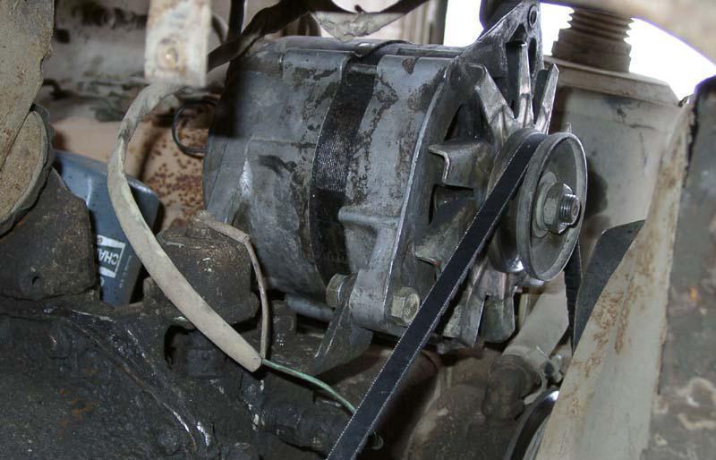 генератор в грузовике ГАЗ-53