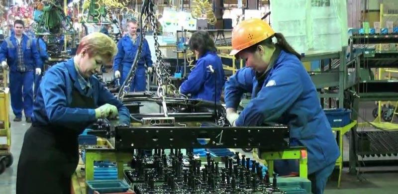 конвейер  завода