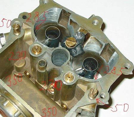 разобранный карбюратор для ГАЗ 3307