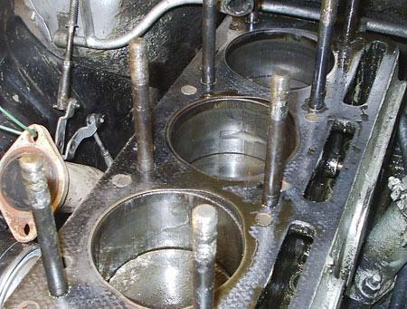 блок цилиндров двигателя Волги 21