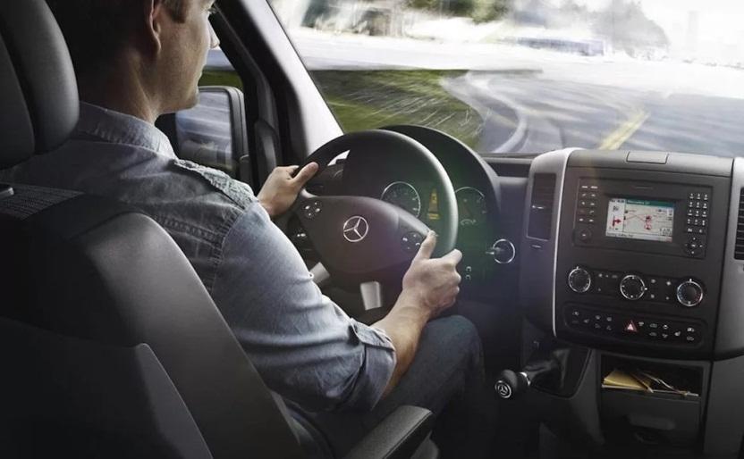 водитель за рулем